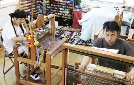 手織り(さをり織り製品づくり)