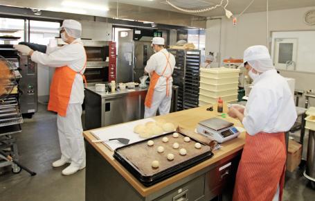 パン・クッキーなどの製造販売
